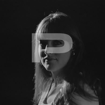 Sandys Body - head shots of a girl