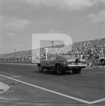 1977 NHRA Springnationals - Dallas International Motor Speedway