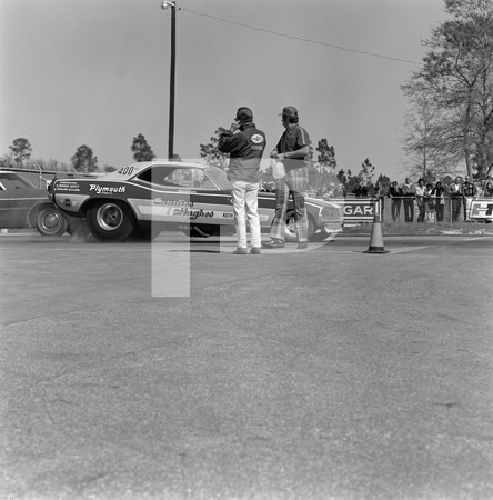 1971 NHRA Gatornationals - Gainesville Raceway Florida | Dallas - Fort Worth Drive In USA First Segment