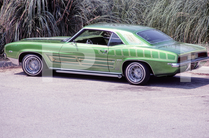 1977 Hot Rod Magazine - Low Rider Features