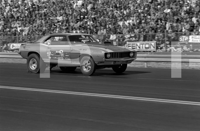 1972 NHRA World Finals - Amarillo Dragway Texas                                                                                                       7301 pp 100-102, 110