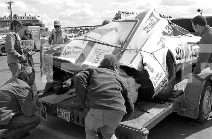 1972 NHRA World Finals - Amarillo Dragway Texas - CJ Batten Inline 4 engine - World Finals: 7301 pp 100-102, 110