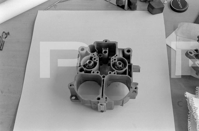 1972 NHRA World Finals - Amarillo Dragway Texas - Scott Shafiroff Engine Tech - carburetor jets and parts, carburetor body, crankshaft