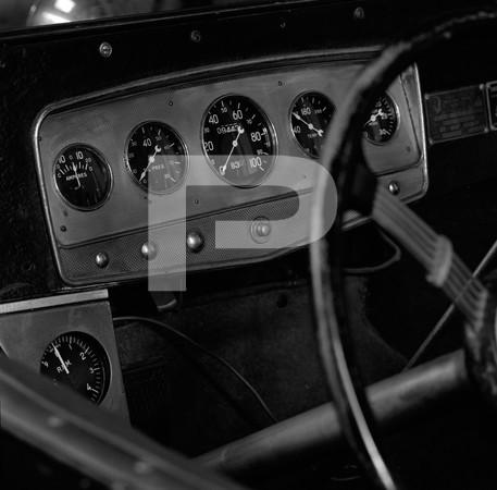 1972 Ed Iskenderian Camshaft Manufacturer - Gardena California - logo valve covers, engine, interior bracket f stops